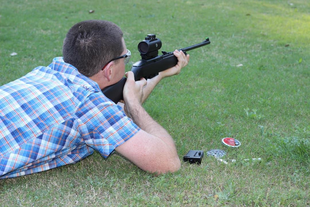 Crosman 1077 Review – A Great  177 CO2 Air Rifle Choice
